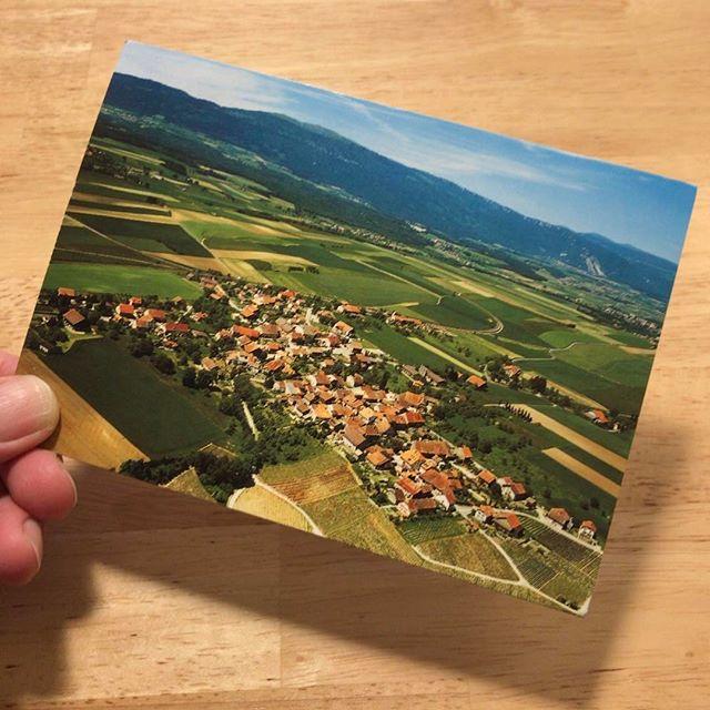 スイスに住んでる友達から、住んでる村の絵葉書が届いた。ますます行きたくなります。