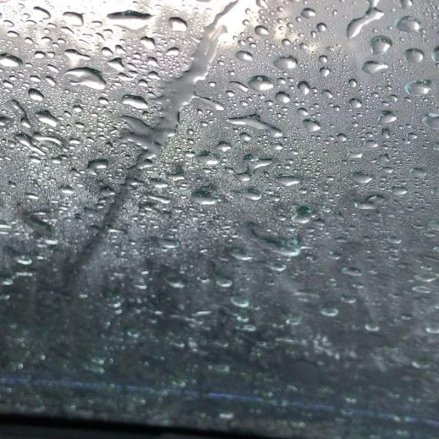 洗車中。。。怖くて楽しい。