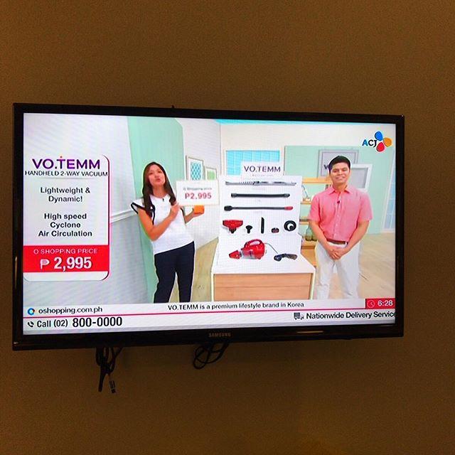 「吸引力抜群のサイクロン掃除機、いろいろ便利なアダプターノズルがついて、なんと!2995ペソ!」TV通販のノリは日本と同じだよ。