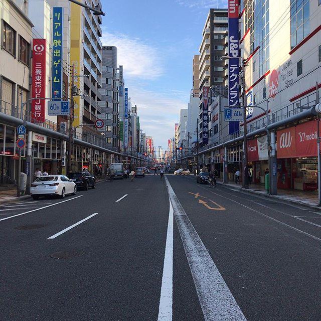 十数年ぶりに来てみたけどなんか賑やかさが減った? #でんでんタウン #日本橋 #今日の一点透視法