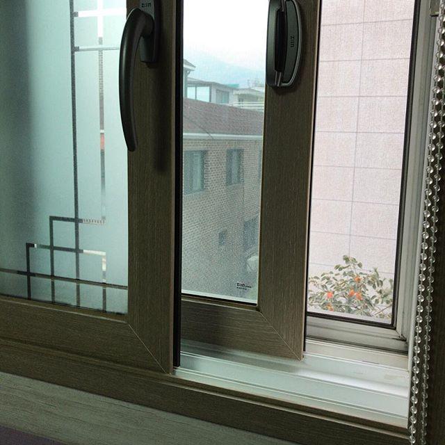 思い出しながら。韓国では窓2枚が普通みたい。断熱しっかり。さすが冷帯D気候。