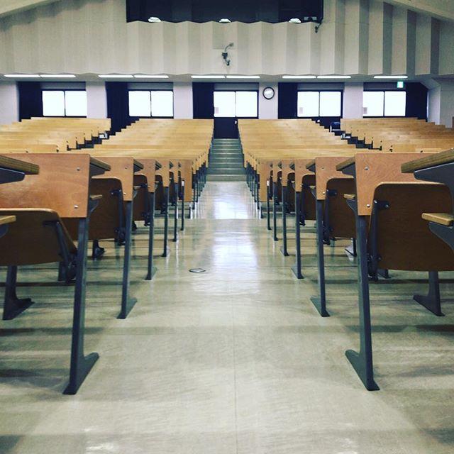昨日で年内の授業終了。皆さま試験おつかれー。#今日の一点透視図法