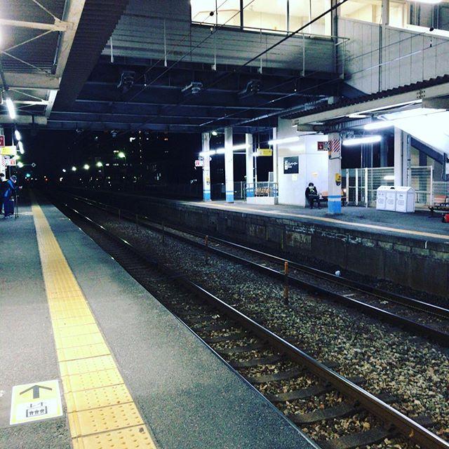 初めて来る駅だ〜!と思ったけどよく考えたら18年前に通過はしたことある。#妹尾駅