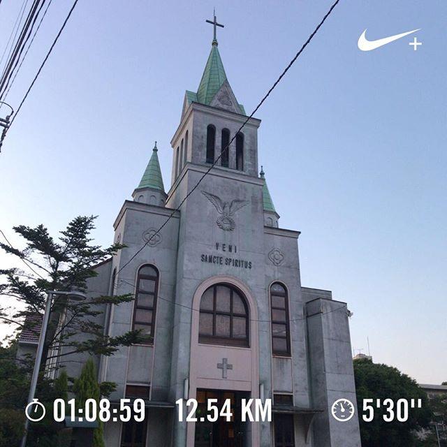 ウチからちょうど1キロ地点がこの教会。温度と湿度が気持ちいいので多めに走れる。#run #running #ラン #ランニング #ハシリマスタグラム  #ハシリマシタグラム