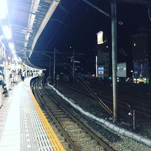 飯田橋駅とか初めて!と思ったけどよく考えたら約20年前に受験の時にドキドキしながら乗り換えたのを思い出しました。でも20年前って「無い」に等しいよね。#今日の一点透視図法