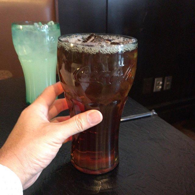 伝わりますかね?この大きさ。アイスティーでもコーラのグラスに入ってくるよ。、