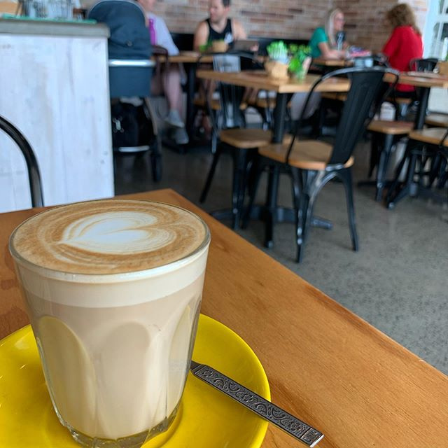 "SNSを見た、親切な僕の元学生ちゃんが教えてくれましたが、Latte とはFlat white よりもエスプレッソの分量が少ないものでした!僕はFlat white の方が好みかな。As one of my ex-student kindly told me, ""latte"" has less espresso shot than ""flat white."" Umm I prefer flat white after all."